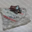 Датчик давления в кондиционере Mitsubishi Carisma 95-03, Pajero Sport MR360872